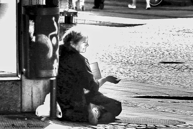 people_20130606_beggar2